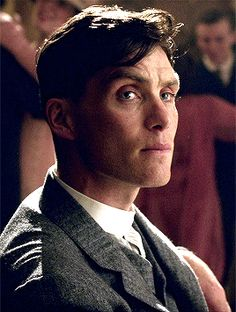 Peaky Blinders: Cillian Murphy as Tommy Shelby Peaky Blinders Tommy Shelby, Peaky Blinders Thomas, Cillian Murphy Peaky Blinders, Boardwalk Empire, Birmingham, Hot Men, Sexy Men, Peaky Blinders Quotes, Red Right Hand
