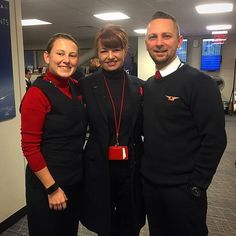 I don't even remember when was the last time 3 of us were together..... Hungarian stews reunite in the JFK lounge #crew #crewlife #cabincrewlife #cabincrew #flightattendant #flightattendantlife #stew #trollydolly #hungarians #friends #flying #inflightcrew #crewmember #crewiser : @krisz77