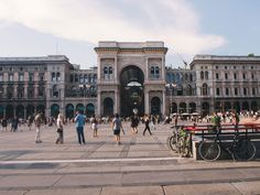 Travel Journal – 24 hours in Milano Photo Diary, Milano, Italy Travel, Louvre, Street View, Europe, Lifestyle, Building, Blog