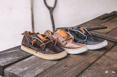 SATORISAN ANTAI #rustic #collection http://satorisan.com/eu_en/collection/antai This is an updated version of the classic desert boots. Its name, ANTAI, means peace, serenity, security and tranquilty in Japanese. The best option for the adventurous spirits!