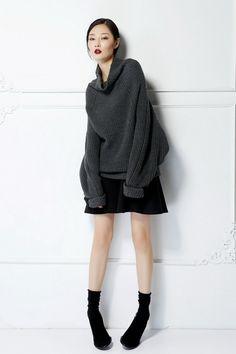 Minimalist / Drop Schulter Pullover / Oversize Style / gemütlich / Unisex Pullover / grau / SaturdayProject von SaturdayProject auf Etsy https://www.etsy.com/de/listing/221921333/minimalist-drop-schulter-pullover