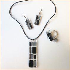 Glass jewelry • 3-piece black vertical set