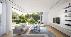 LB House by Shachar Rozenfeld Architects Corner window