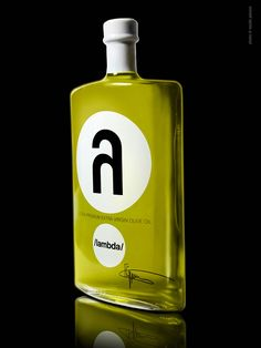I love the modern and exclusive vibe this bottle gives off. I like that the use of two simple non congruent circles to hold the only information it has. I like that the a is cropped too.