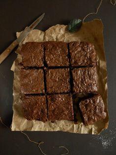 Los mejores brownies caseros... Brownie Recipes, My Recipes, Sweet Recipes, Cake Recipes, Dessert Recipes, Favorite Recipes, Desserts, Choco Chocolate, Bread Machine Recipes