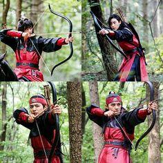Park Hyung Sik Hwarang, Lee Min, Park Seo Jun, Kdrama Memes, Seo Joon, Korean Wave, Beautiful Costumes, Martial Artist, Kpop