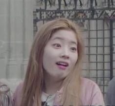 Blackpink Funny, Super Funny Memes, Memes Funny Faces, Cute Memes, Stupid Memes, Blackpink Memes, Kpop Memes, Nayeon, Twice Kpop