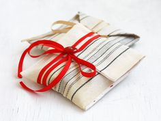 Fabric gift wrap - Eco friendly gift wrapping - Reusable gift bag