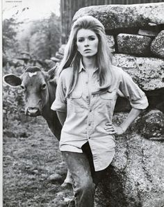 Martha Stewart began modeling in her early teens! She appeared in television commercials and magazines and this amazing shoot for Chanel.