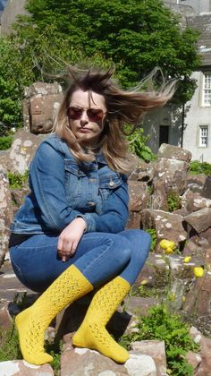Orkney problems: when you are concentrating on the socks and don't notice what the (unexceptional) wind is doing to the model's hair. Fair Isle Knitting, Lace Knitting, Winter Project, Beautiful Patterns, Old And New, Really Cool Stuff, My Design, Socks, Model