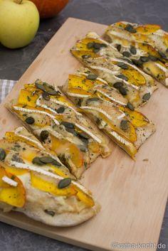 Flammkuchen mit Kürbis und Camembert