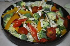 Peppermill: Broccoli, Bell Pepper and Lettuce Salad with Fried Almonds