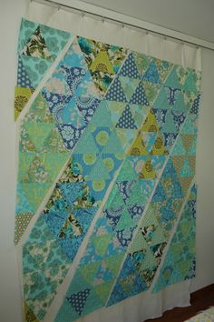 60 degree triangle quilt tutorial--Quilt it: flimsy