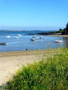 Et pendant ce temps là, ce soir à #kervoyal #damgan #morbihan.... Bonne soirée à tous! Brittany, Photos, France, Mountains, Beach, Water, Travel, Outdoor, Tourism