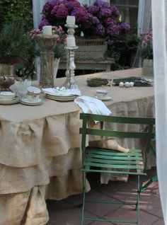 FRENCH COUNTRY COTTAGE: BURLAP BLISS