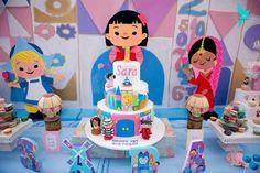 Sara's It's A Small World Birthday Celebration | CatchMyParty.com