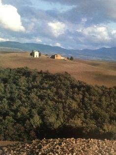 "https://flic.kr/p/mwdZRH   Luigi Speranza -- Italia -- A panoramic view of the Orcia valley south of Siena seen from the ancient Roman Via Cassia.   Luigi Speranza -- Italia -- <a href=""https://www.facebook.com/j.l.speranza"" rel=""nofollow"">www.facebook.com/j.l.speranza</a>"