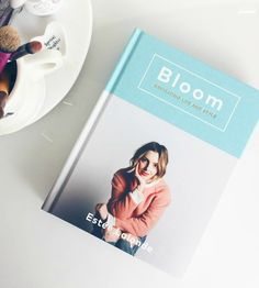 My book wishlist! 📚 rose-tinted.com