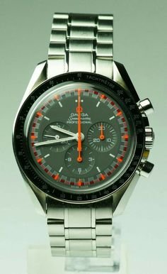 "Omega Speedmaster ""japanese"" manual wind 1861 ref: Modern Watches, Luxury Watches For Men, Vintage Watches, Retro Watches, Dream Watches, Cool Watches, Rolex Watches, Omega Speedmaster Racing, Junghans"