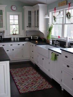 5 Thrilling Cool Ideas: Galley Kitchen Remodel Back Splashes condo kitchen remodel before after.Farmhouse Kitchen Remodel Chip And Joanna Gaines kitchen remodel simple.Small Kitchen Remodel No Window. Farmhouse Kitchen Cabinets, Modern Farmhouse Kitchens, Black Kitchens, Kitchen Redo, New Kitchen, Home Kitchens, Kitchen Ideas, Rustic Farmhouse, Farmhouse Sinks