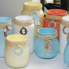 Great colors!  Incredible round up of mason jar projects on Looksi Square by ambassador Evey of Evey's Creations via Natalie of NorthShore Days