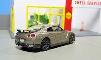 tlv Nissan GT-R gold