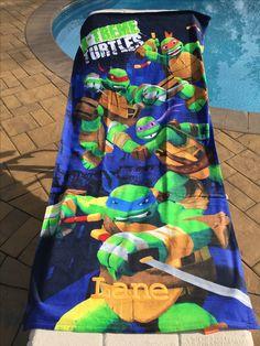 "2017 TEENAGE MUTANT NINJA TURTLES /""TURTLES RULE/"" BEACH TOWEL"