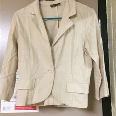 Beige linen blazer From body central and size medium. Good condition. Price is negotiable and ships next day Body Central Jackets & Coats Blazers