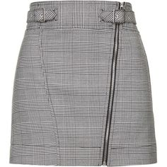 TOPSHOP Checked Biker Mini Skirt (145 BRL) ❤ liked on Polyvore featuring skirts, mini skirts, bottoms, topshop, faldas, monochrome, a line mini skirt, short a line skirt, short mini skirts and checkered skirt