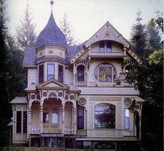 Prachtig Victoriaans huis, daar zie ik mijzelf wel rondschrijden.....