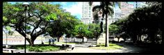 Praça Presidente Getúlio Vargas. No centro da cidade, de frente para o canal de acesso aos portos de Capuaba e de Vitória.