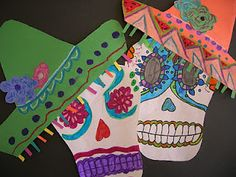 Here is a very simple Day of the Dead project. Fourth graders designed calaveras inspired by the folk art traditions surrounding the Mexic. Halloween Art Projects, Fall Art Projects, School Art Projects, Kindergarten Projects, Teaching Kindergarten, Elementary Art Lesson Plans, Elementary Art Rooms, Elementary Education, 6th Grade Art