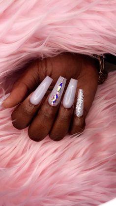 Glam Nails, Hot Nails, Bling Nails, Hair And Nails, White Acrylic Nails, Types Of Nails, Gorgeous Nails, Nails On Fleek, Trendy Nails