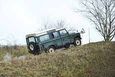 Axon's Automotive Anorak: Goodbye To The Defender – Last Of The Basic Brits