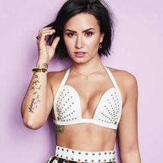 Demi Lovato 2015, Demi Love, Demi Lovato Pictures, Covergirl, Divas, Short Hair Styles, Hair Cuts, Celebs, Famous Celebrities