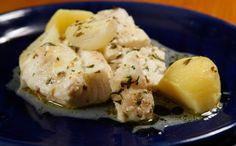 Saudável e saboroso, peixe pode acompanhar salada e arroz branco. Veja