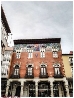 Colegio de Villandrando en Palencia.  Jerónimo Arroyo, proyectó este edificio.