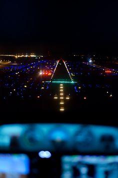 ILS Runway 11L Tucson International (by Peter Millenaar)