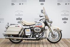 Beautiful motorcycles at Concorso d'Eleganza Villa d'Este Motorcycle Museum, Motorcycle Types, Motorcycle Art, Vintage Cycles, Vintage Bikes, Vintage Motorcycles, Harley Davidson Trike, Vintage Harley Davidson, Suzuki Gt 750
