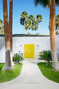 Bravo star and design guru Stephen Collins takes us into his midcentury-style Palm Springs home furnished with a lifelong collection of global. Palm Springs Houses, Palm Springs Style, Exterior Design, Interior And Exterior, Yellow Doors, Spring Door, Ansel Adams, Mid Century House, Home Photo