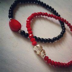 """7 Me gusta, 1 comentarios - Soy Kiute® (@kiute_accesorios) en Instagram: """"Juego de pulseras de cristal rojo y ágata negra. Me encanta!!! 😍 #mama #hechopormexicanos…"""""""