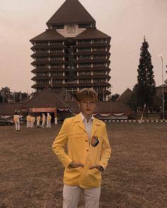 54 Best k-idol(s) lokal images in 2020 Iphone Wallpaper Landscape, Boy Idols, Park Ji Sung, Huang Renjun, Jisung Nct, Emo Boys, Boyfriend Material, Jaehyun, Wallpaper Quotes