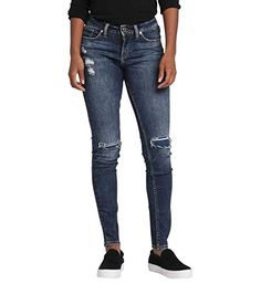 Silver Jeans Co. Mid Rise Skinny Jeans, Super Skinny Jeans, Skinny Legs, Fashion Hub, Fashion Brands, Womens Fashion, Juniors Jeans, Silver Jeans, Curvy Fit