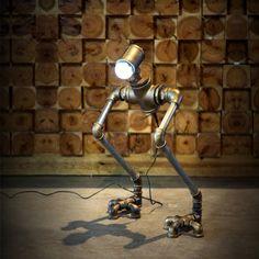 rétro industrielle tuyaux en fonte de style lampe café-bar Lampe de table Lampe LED décorée robot de création: Amazon.fr: Cuisine & Maison
