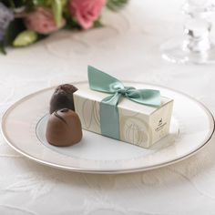 Share A Taste Of Your Hiness With Sophisticated Style Our Milk Chocolate Wedding Cake Filled Dark Ganache Iva Ca