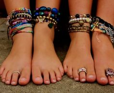 ankle bracelets::: I love this layering. Screams BEACH!