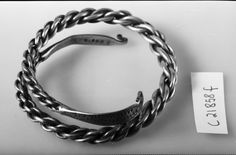 Museum : Museum of Cultural History, Oslo MuseumNo : Artefact : Bracelet Form : Braided Variant : R 706 Material : silver County : Buskerud CountyNo : 06 Municipality : Rollag Period : Viking FindCategory : silver fund Medieval Jewelry, Viking Jewelry, Ancient Jewelry, Viking Rings, Antique Jewelry, Beaded Jewelry, Viking Life, Norse Vikings, Iron Age