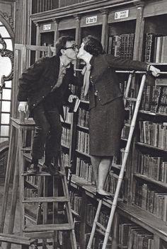 Woody Allen & Romy Schneider (photo by Larry Shaw)