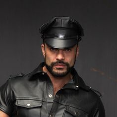 Oh God ! Leather !!! : Photo