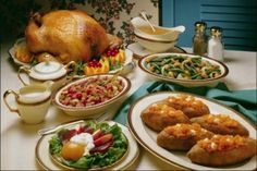 Eating Right When You're Eating Too Much: A Guide to Tackling Thanksgiving Dinner | Her Campus
